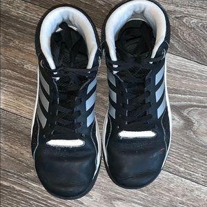 Adidas shoes (Big Boys) size 4